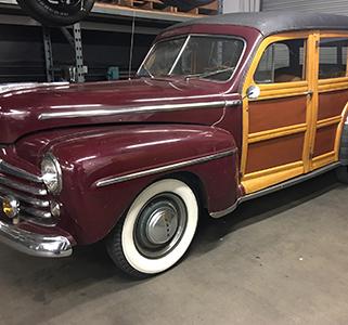 1946-Ford-Woodie